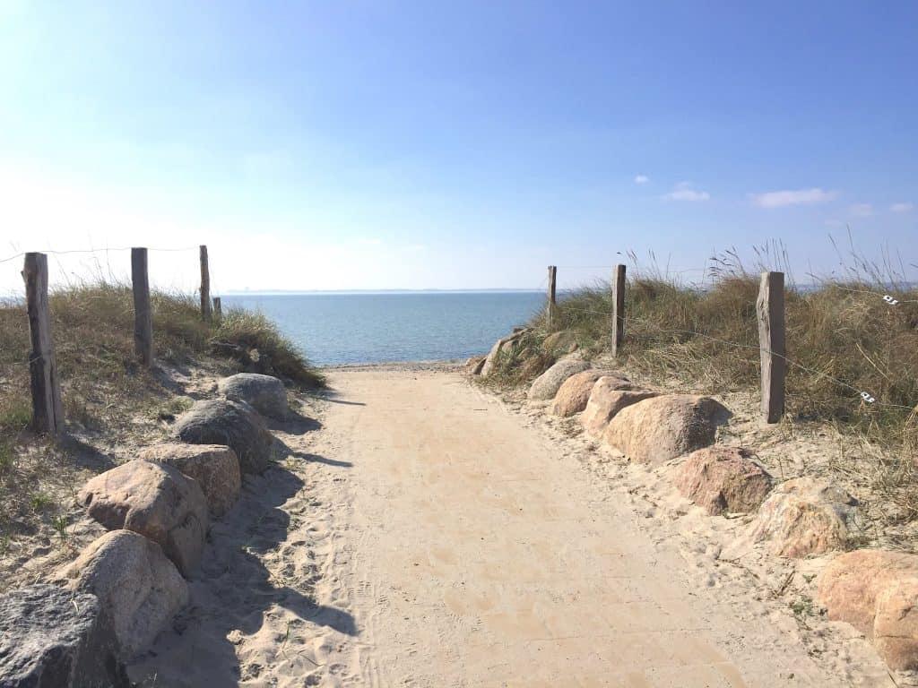 Nord- und Ostsee - Weg zum Ostseestrand