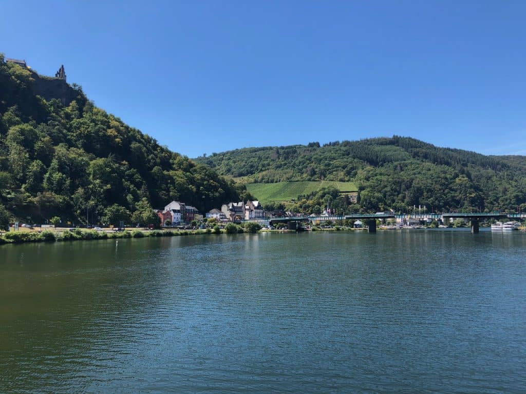 Schiffsrundfahrt nach Traben-Trarbach und zurück